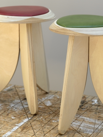 Tabouret-Zid - Like it / mobilier design / Julio Bernardo